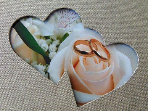 Álbum de foto y firmas con marco de corazones 1. MardePapel