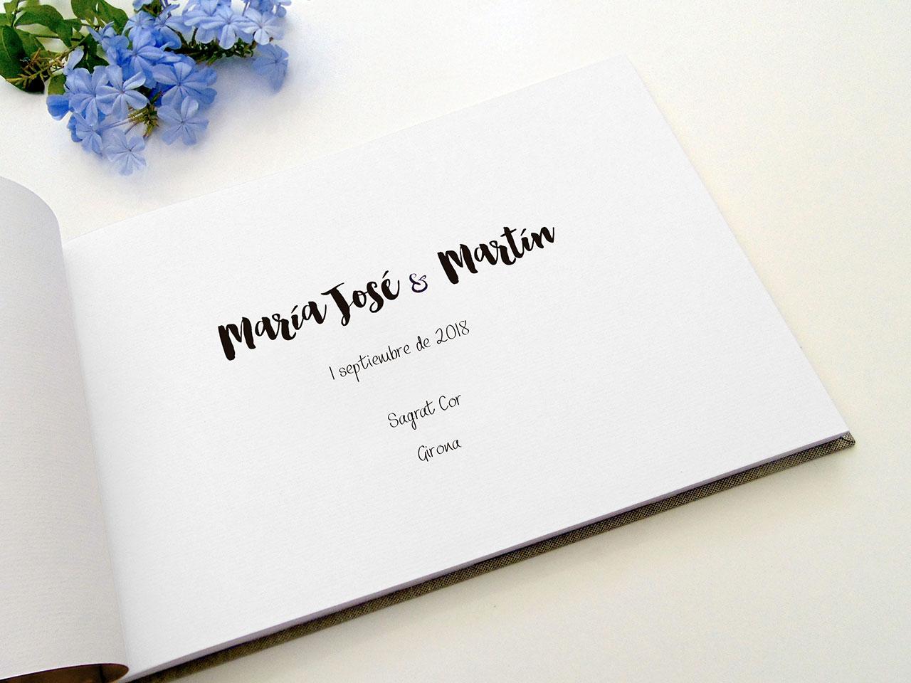 Página de inicio en tipografía Bonjour y Joanne Marie