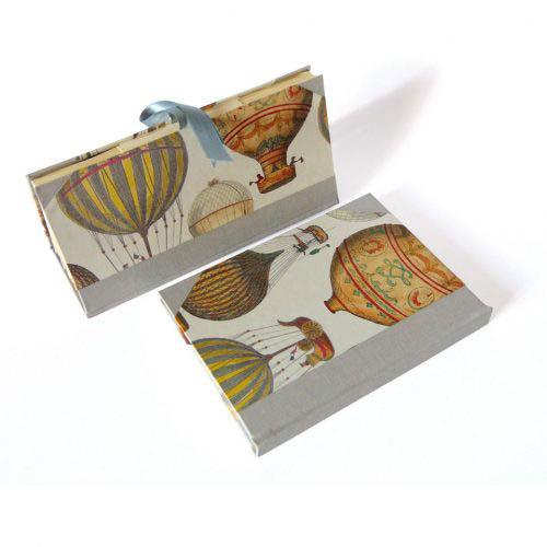 Libreta y fichero con globos aerostáticos. MardePapel