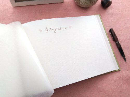 Libro de firmas de comunión Lirios 6. MardePapel