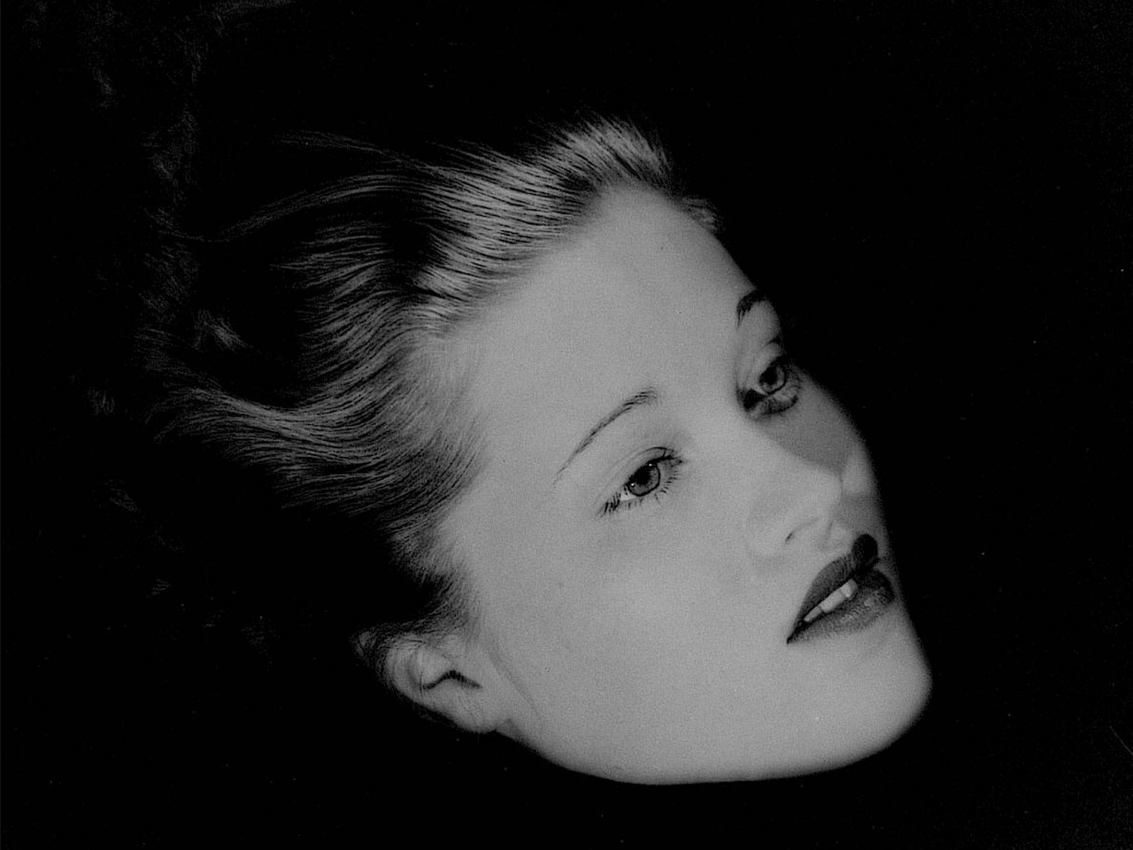 Lee Miller <br>Retrato flotante de Mary Taylor 1933