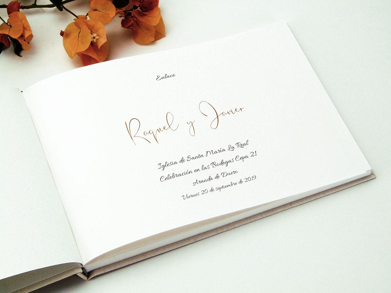 Tipografía Allura y Belinda<br< para los nombres de los novios