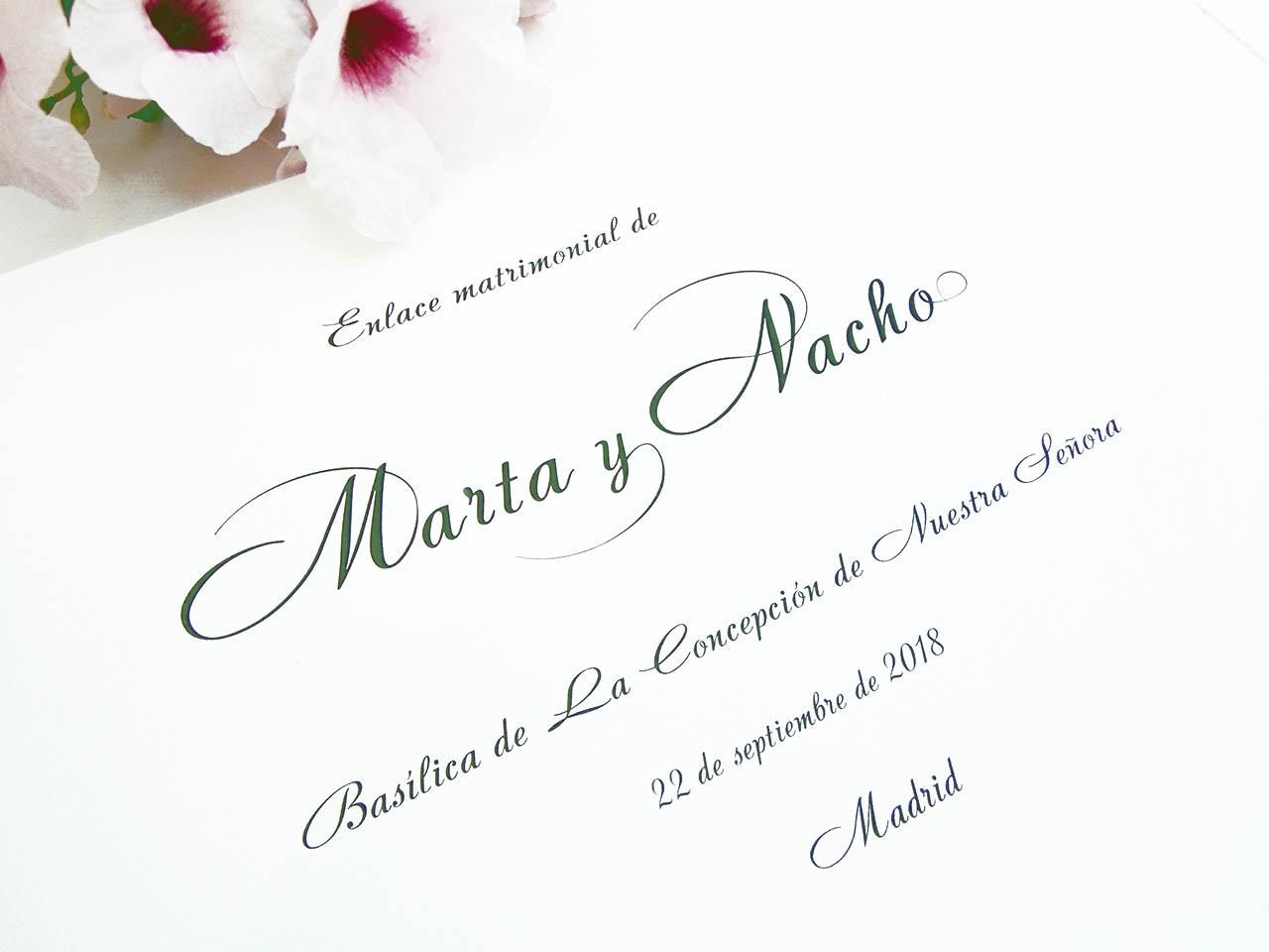 Primera hoja del libro<br> en tipografía Andantino con ornamentos