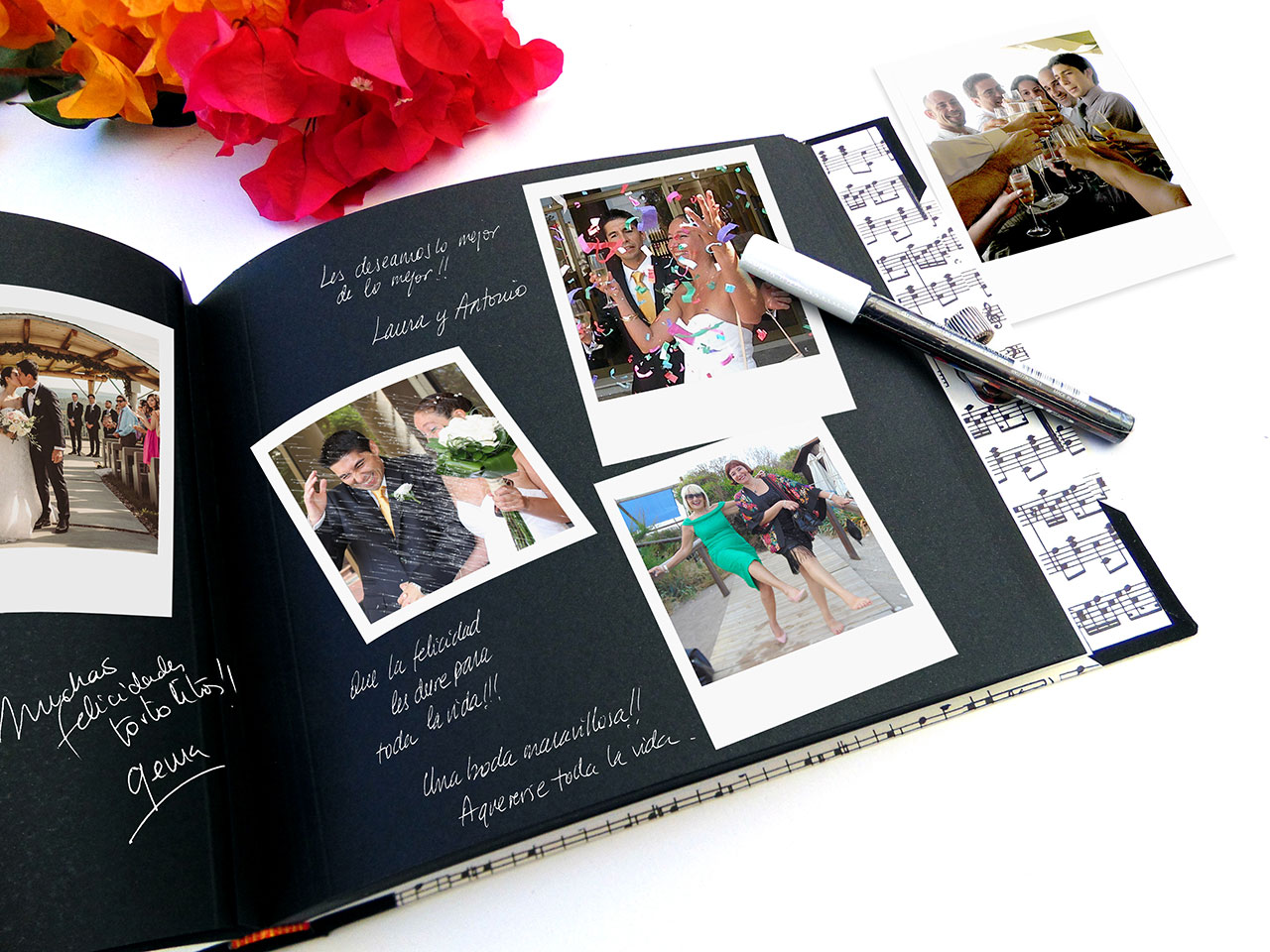 Álbum de foto y firmas con hojas negras,<br> rotulador blanco y accesorio portaboli