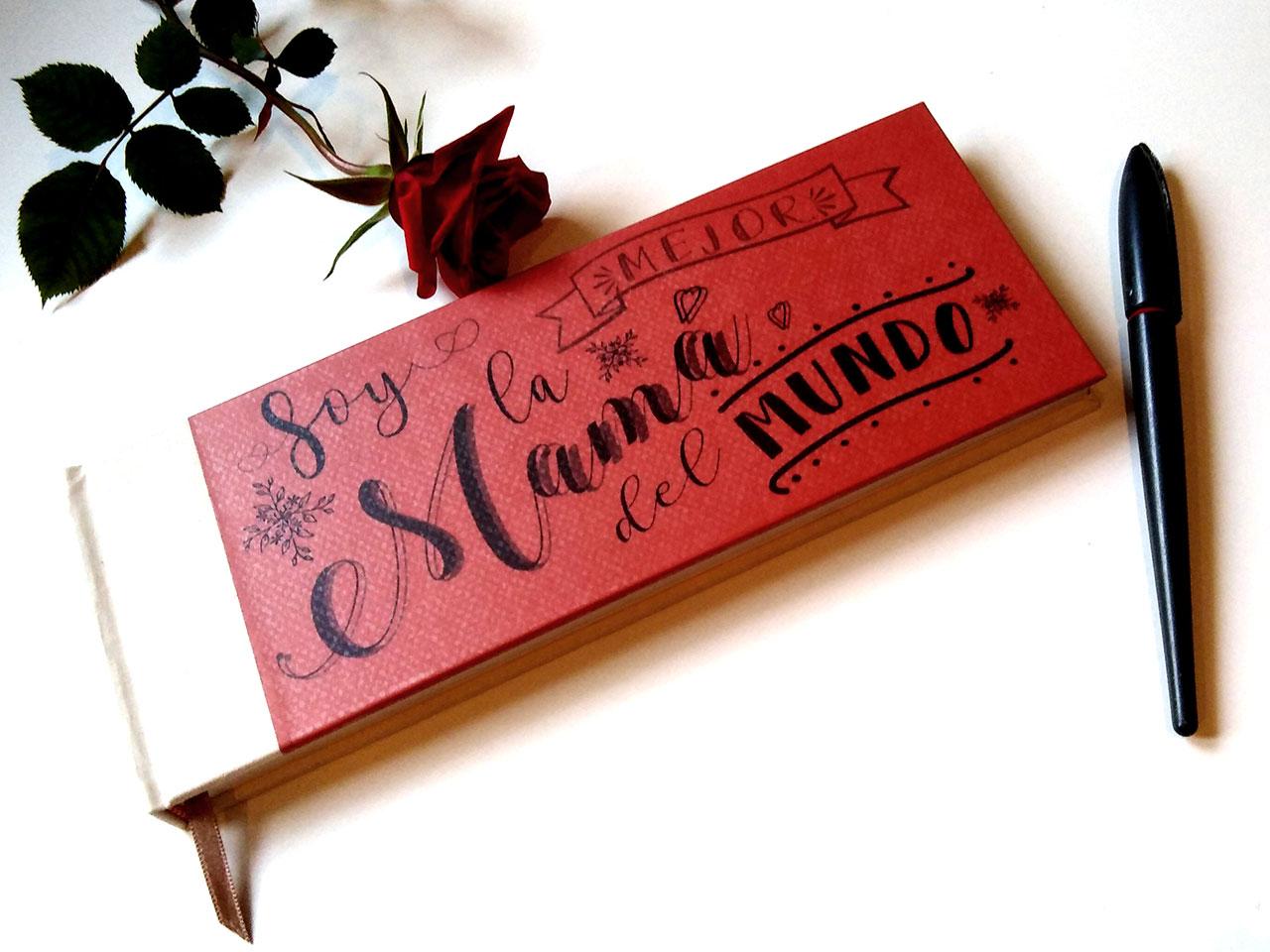 Libreta para celebrar el día de la madre <br>con tela y papel impreso laminado