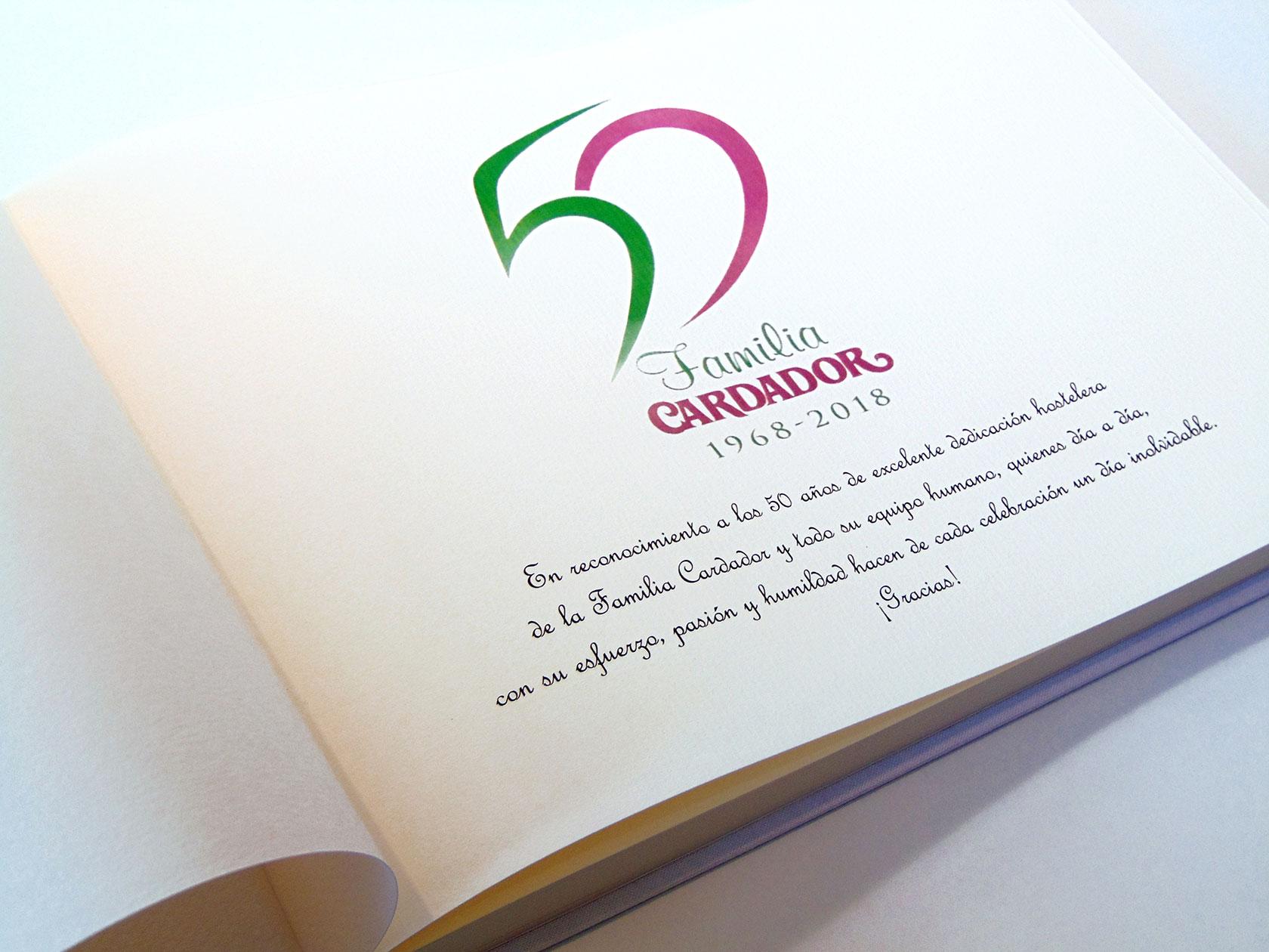 Libro de firmas<br> con la primera hoja personalizada